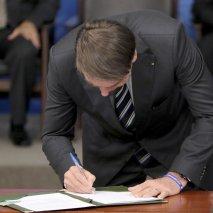 MP elimina autorizações para atividades econômicas de baixo risco
